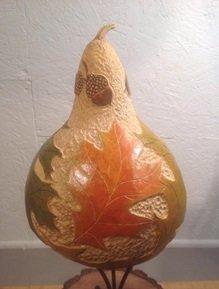 pyrography-artist-lucette-jones-demonstrating-at-the-toledo-woodcraft-store-toledo