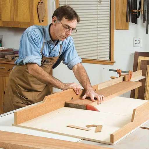 View a Larger Image of Woodworking Project Paper Plan to Build Dead On Accurate Crosscut Sled