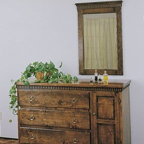Woodworking Project Paper Plan to Build Dresser & Mirror, Plan No. 691