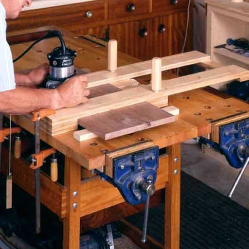 View a Larger Image of Woodworking Project Paper Plan to Build Right-On Dado Jig