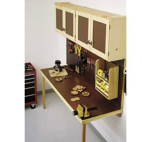 Woodworking Project Paper Plan to Build Space-Saving Work Center