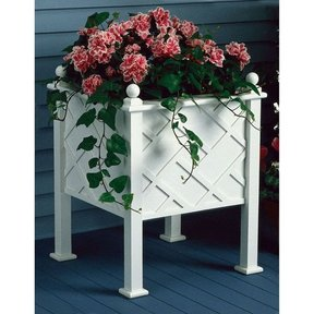 Woodworking Project Paper Plan to Build Stately Planter