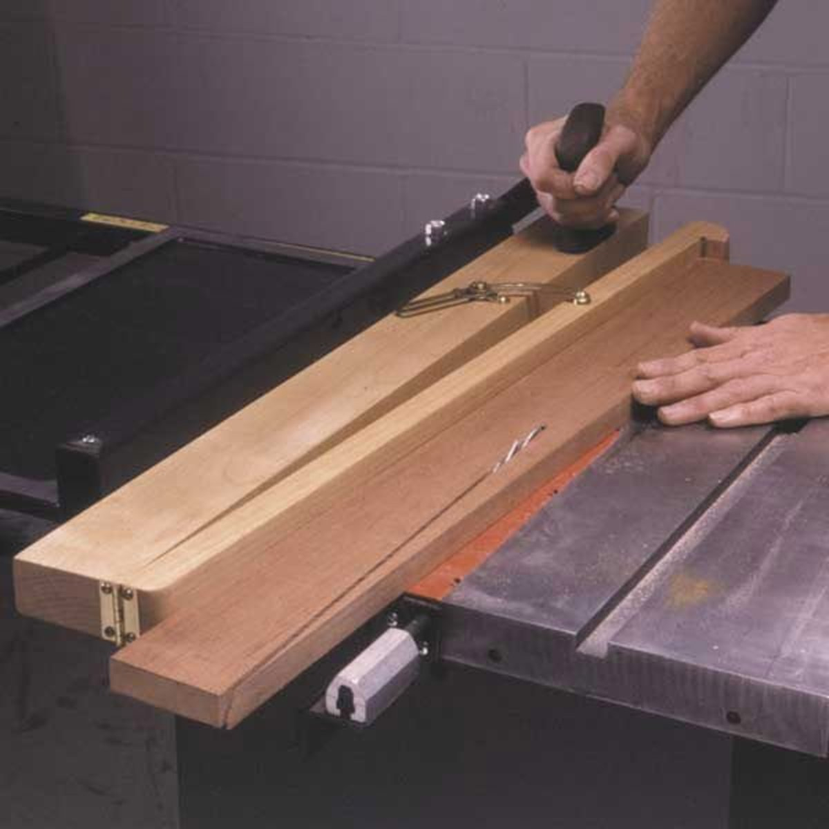 Wood Magazine Woodworking Project Paper Plan To Build Tapering Jig