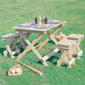 Woodworking Project Paper Plan to Build Travel Table, Plan No. 751