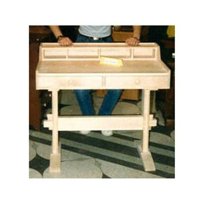 Woodworking Project Paper Plan to Build Trestle Writing Desk